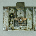 inside-of-original-door-latch-5